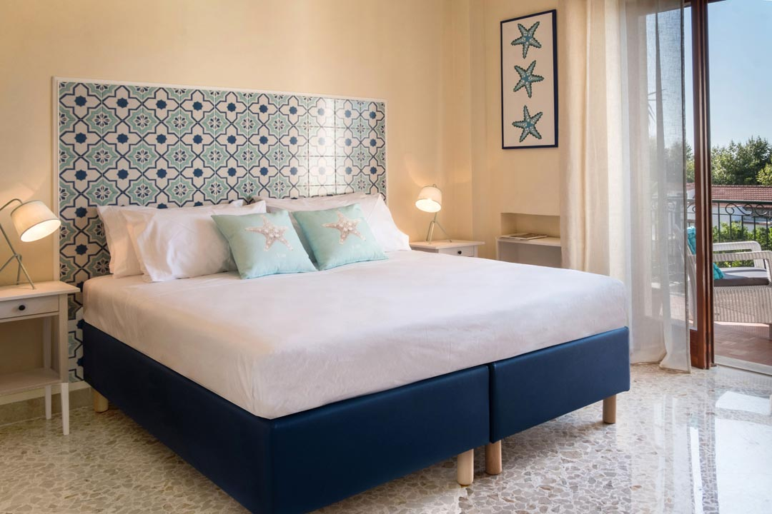 Double bedroom with access on the terrace - MISON DONNA MARGHERITA