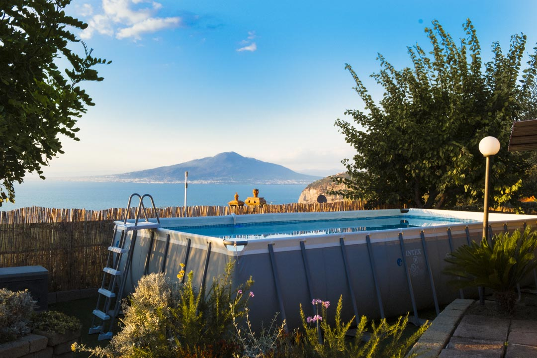Swimming Pool and Solarium with Seaview - SEAVIEW & ELEGANT VILLA