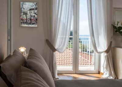 Luxury home with sea-view bedroom (2)
