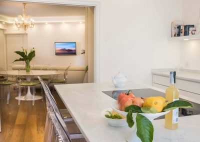 Luxury home with sea-view kitchen (1)