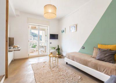 Mediterranean Suites old town Deluxe room (7)