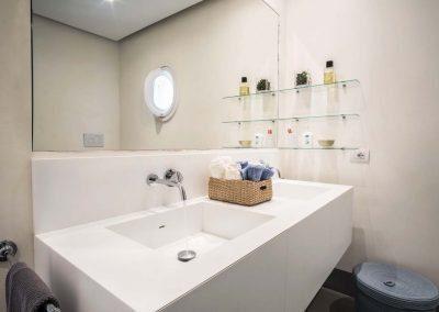Villa Capri view bathroom (1)
