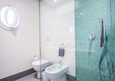 Villa Capri view bathroom (2)