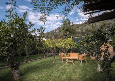 Villa Capri view garden (1)