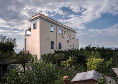 Villa Capri view garden (2)