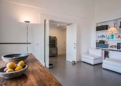 Villa Capri view living room (3)