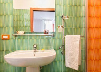 Terrazza Felicienne bathroom (2)