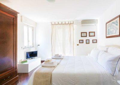 Leonelli's flat bedroom (1)