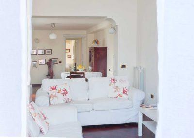 Leonelli's flat living room
