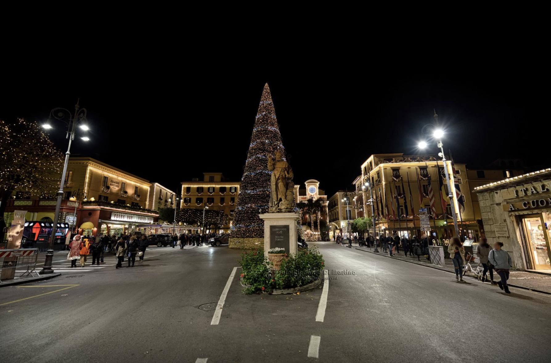 Luminarie di Natale a Piazza Tasso, Sorrento
