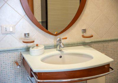 Il Vicoletto Sorrento bathroom (1)