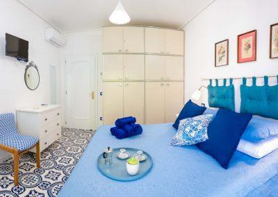 Linda's home bedroom (3)