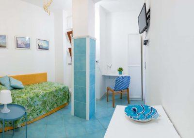 Linda's home bedroom (5)