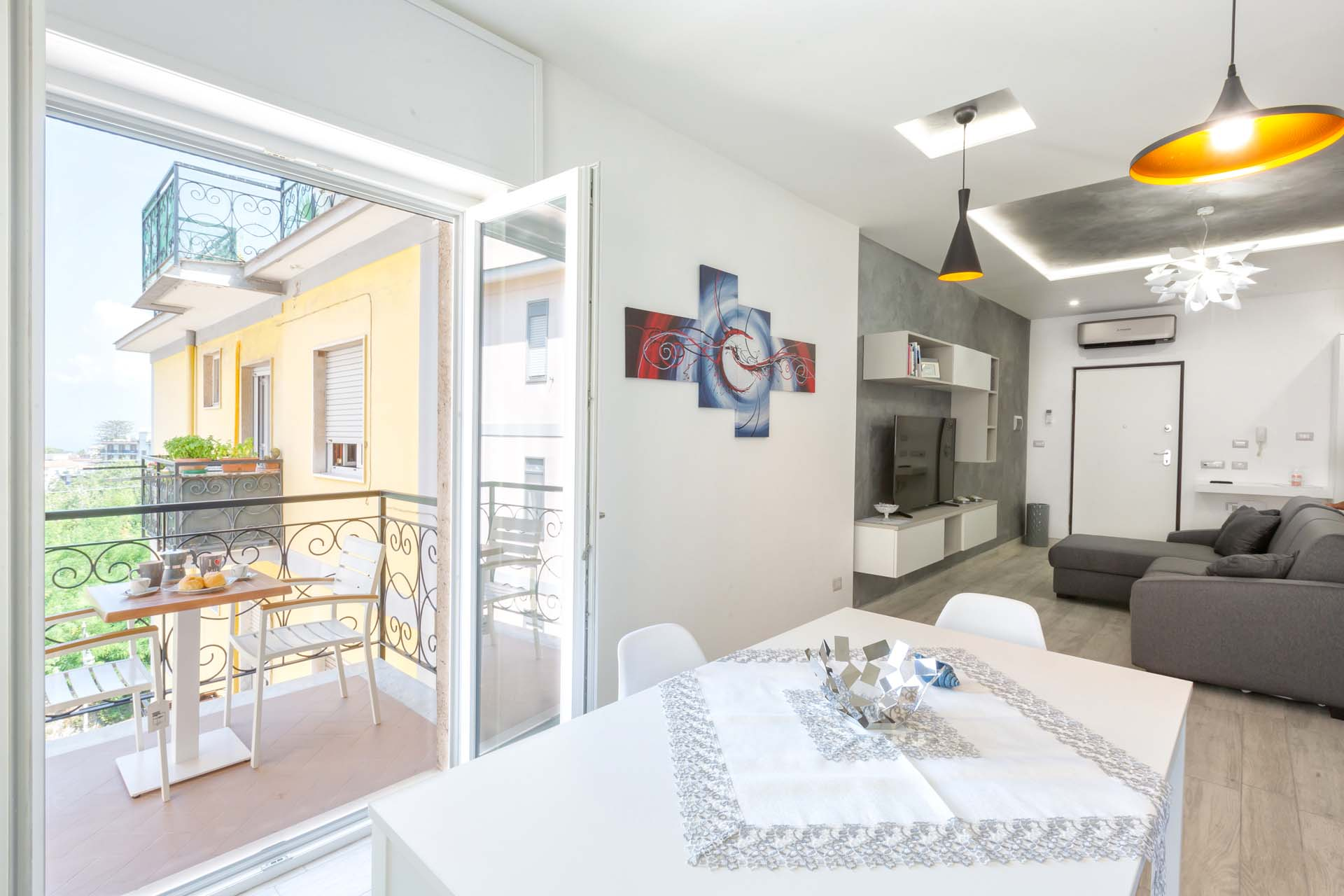 Pearl House Modern and Stylish Apartment Sorrento Coast