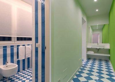 Scirocco apartment bathroom