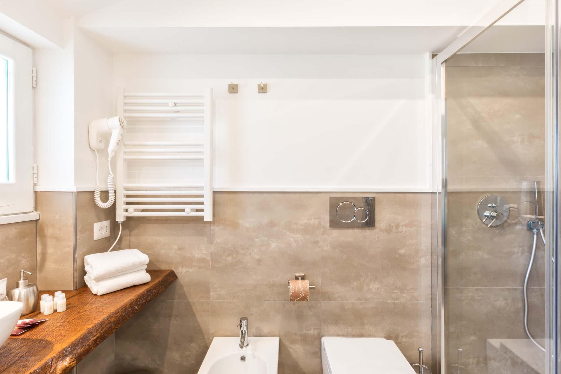 Bathroom Boutique Suites Penthouse