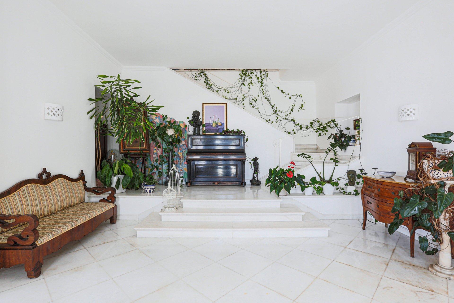 Luxury Family Amalfi Coast Villa with Pool and Sea View