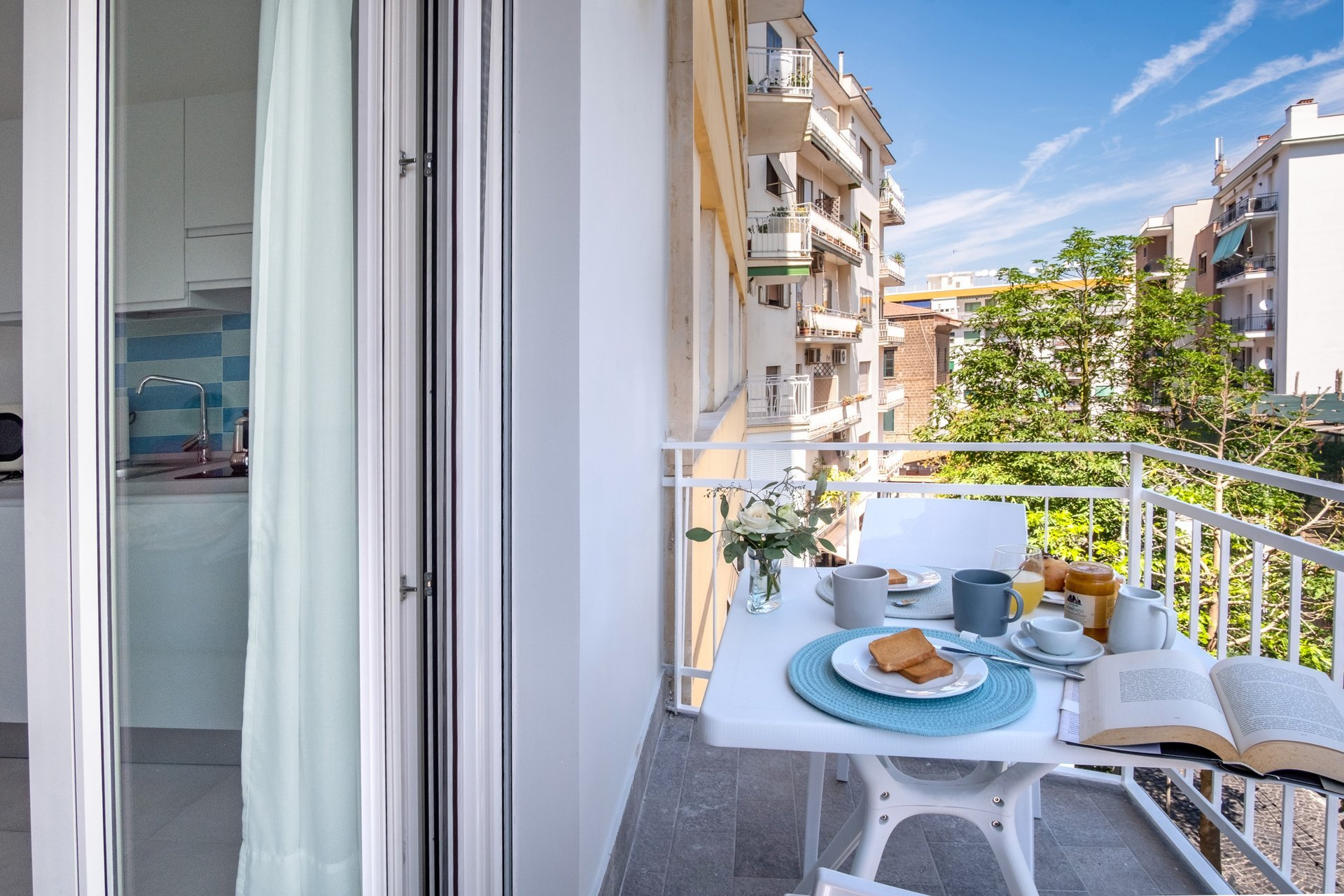 Stylish Apartment in Sorrento Centre