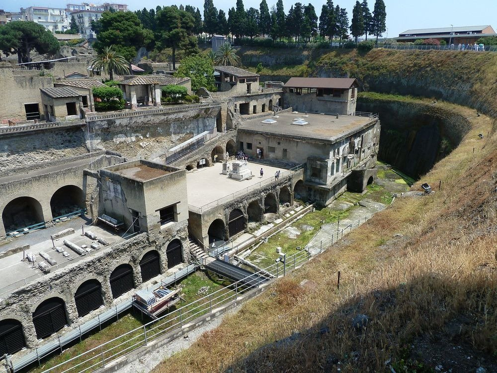 How to Spend the Perfect day in Herculaneum