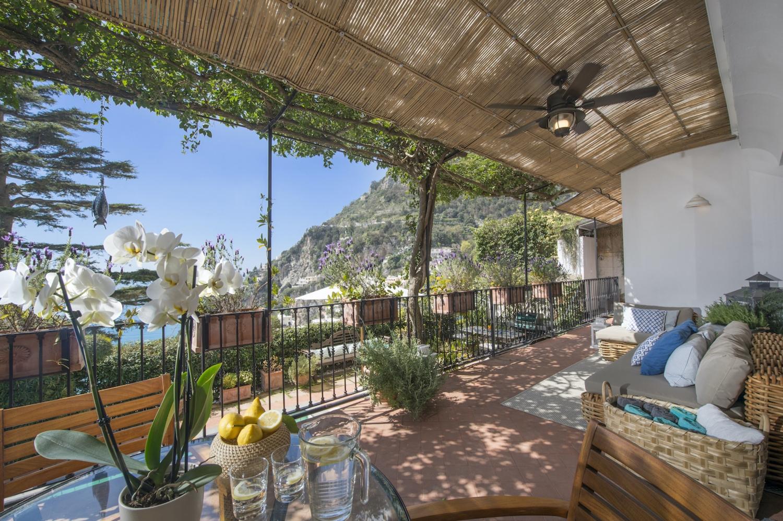 Elegant Family Villa in Positano with Pool