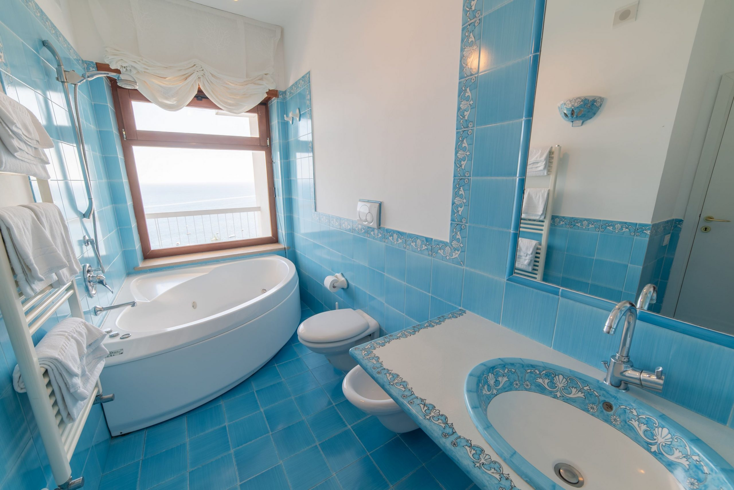Villa Sorrento Coast with swimming pool bathroom