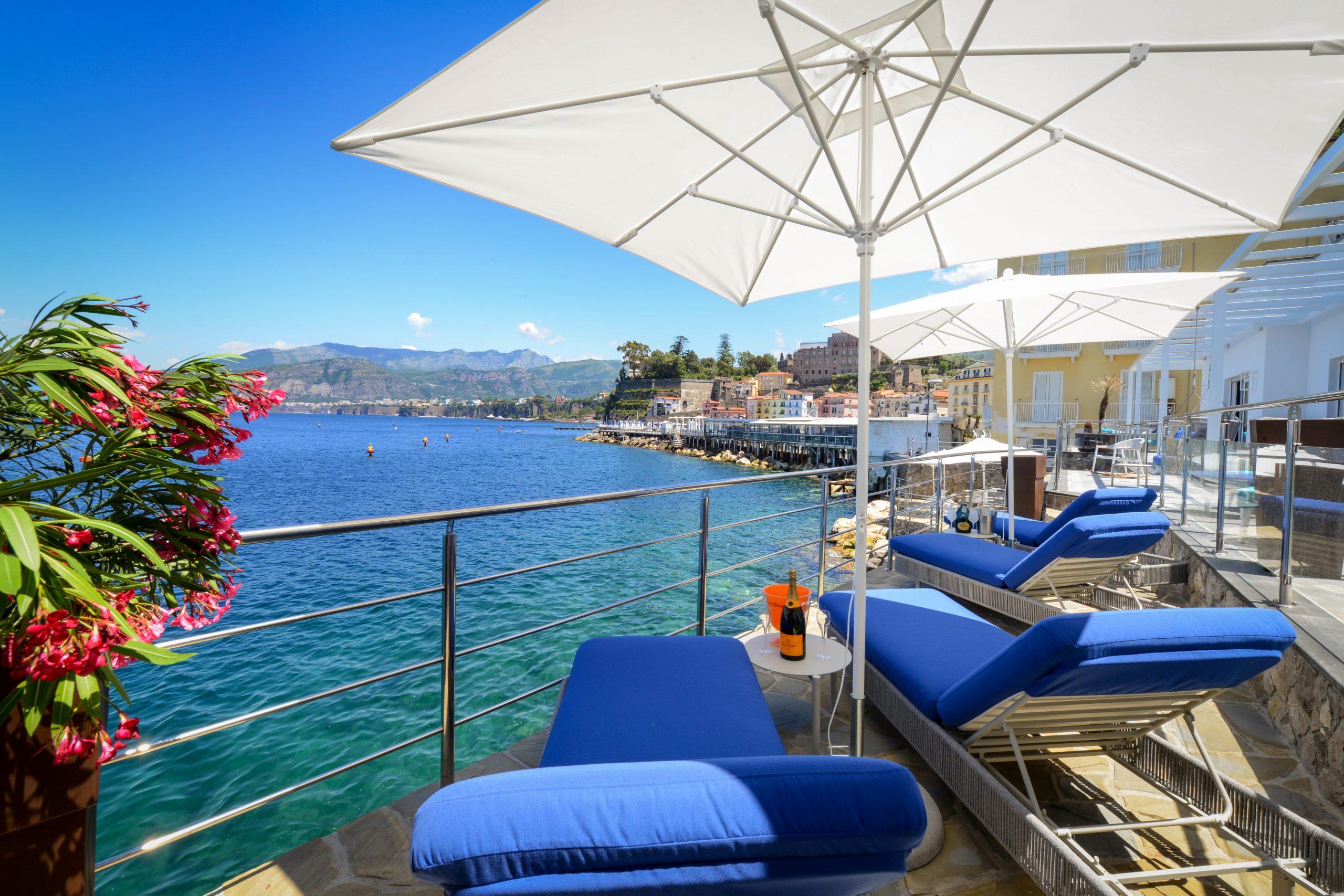 Villa Sorrento by the sea Pool Private Dock and descent to the sea